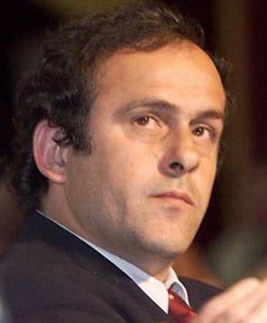 La pomposa diestra de Platini se hace filosofía
